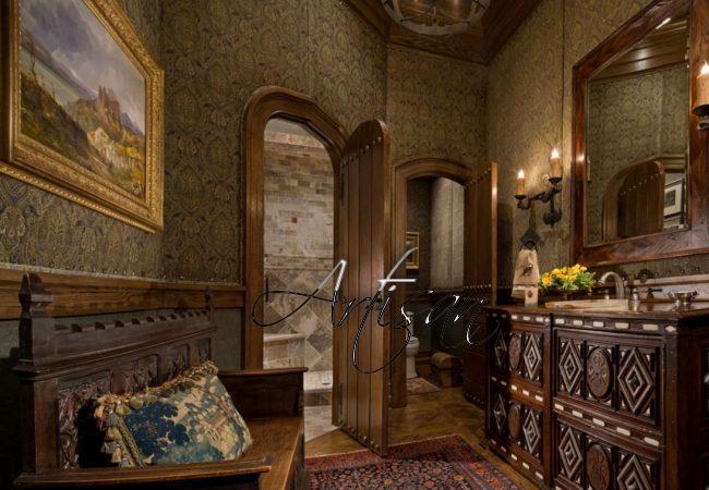 Большие ланцетовидные окна устанавливались везде, будь то гостиная или ванная комната
