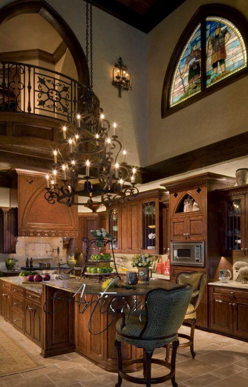 Для оформления квартиры в готическом стиле важна каждая деталь
