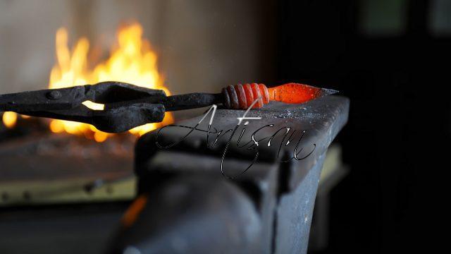 Наковальня и элемент художественной ковки