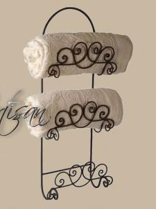 Кованый настенный держатель для трех полотенец