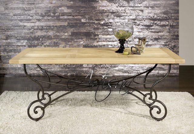 Современный кованый стол с дубовой столешницей