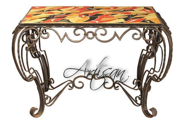 Декоративный кованый журнальный столи с мозаичной поверхностью