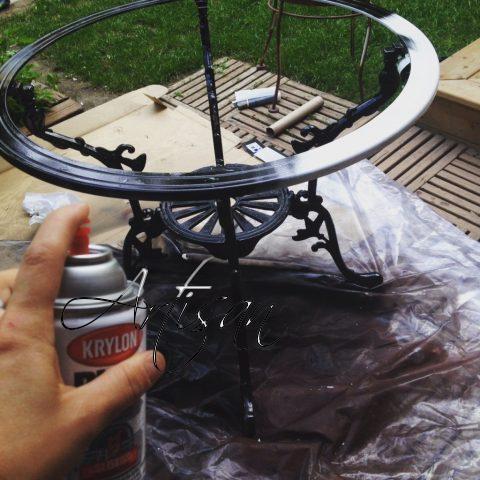 Обработка полиролью кованого столика