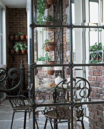 Кованые цветочницы для вертикального озеленения балкона и лоджии