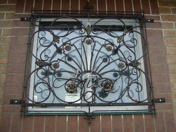 Декоративная оконная решетка